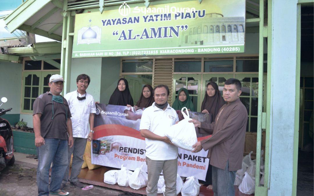 Syaamil Quran Berbagi Paket Sembako di Tengah Pandemi